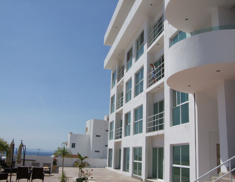 Alttus Condominiums are in a gated community on a hill overlooking the lovely Bay of La Paz and the city. There is an outdoor sitting area where you can barbecue with your guests.